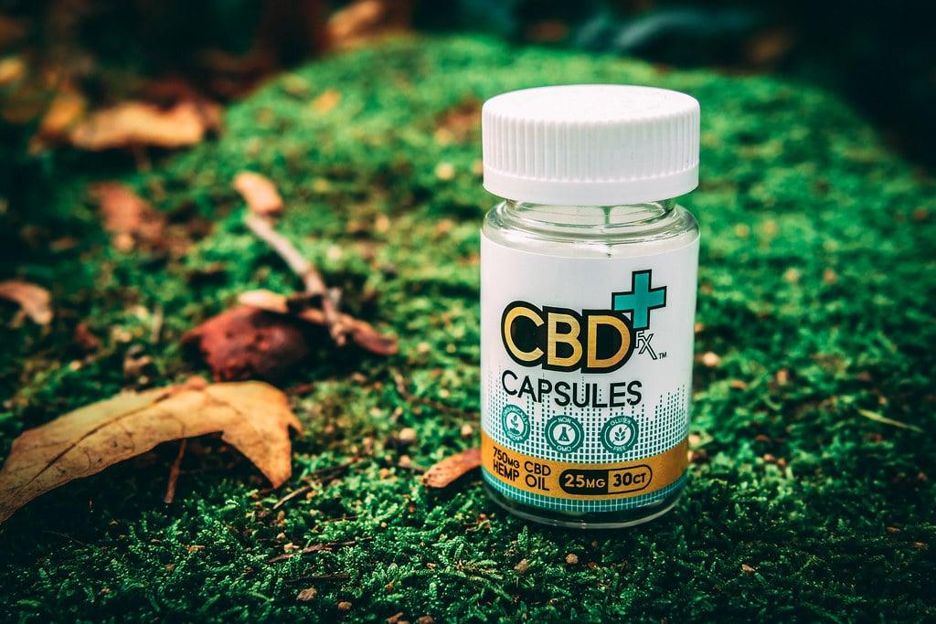 CÁPSULA CBD: cápsulas e cápsulas de canabidiol